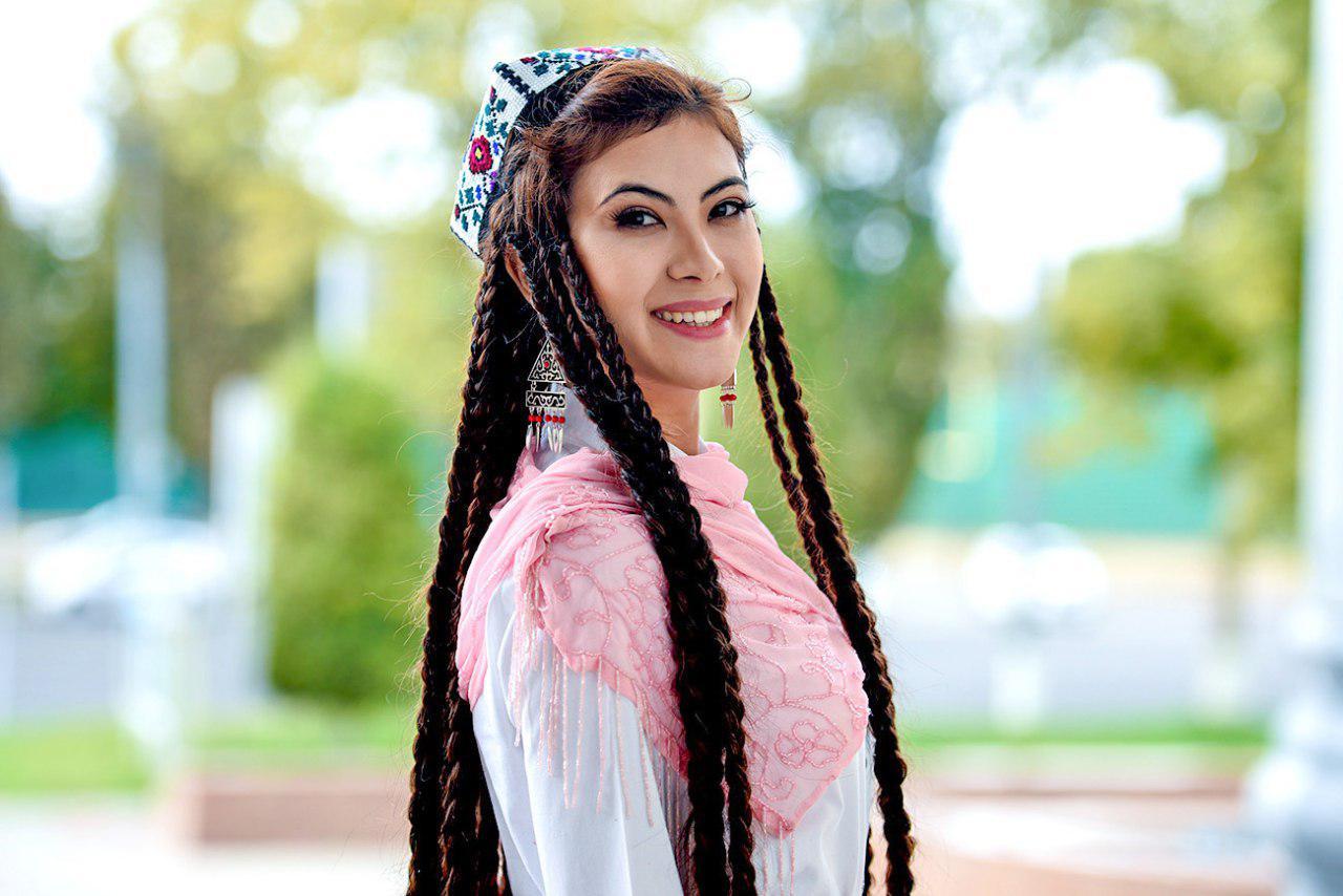 Leyla yalong och